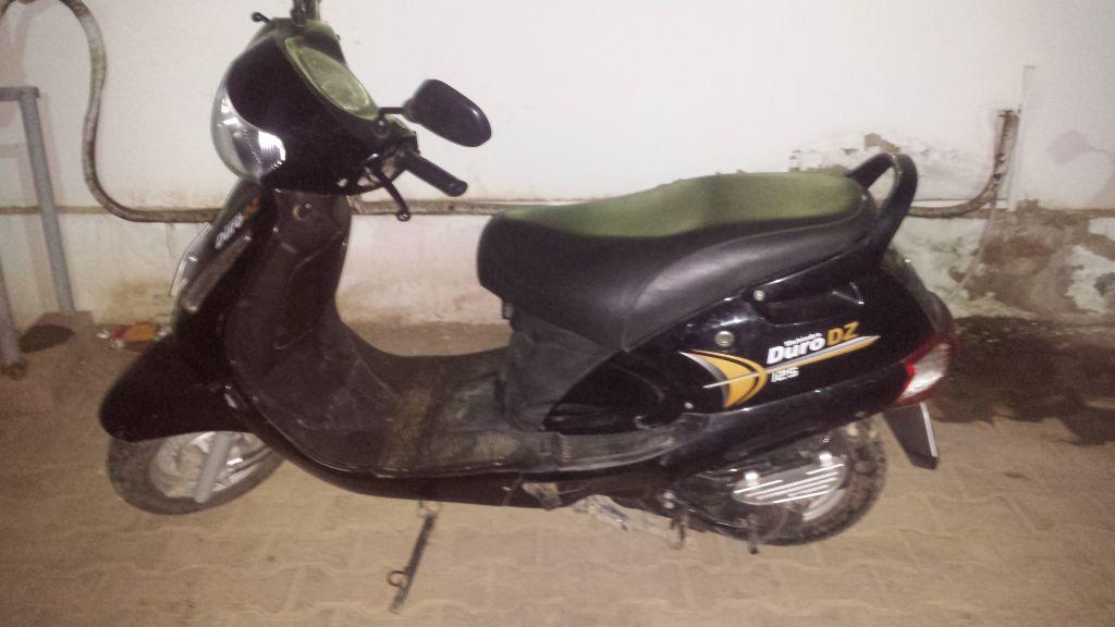 Moto Mahindra Duro DZ 125