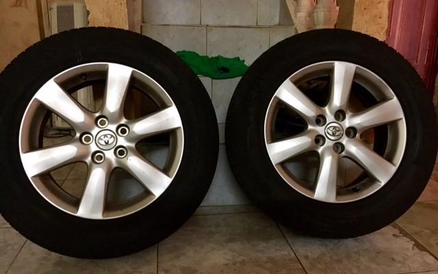 4 pneus quasi-neufs made in France (225/60 R17 H)
