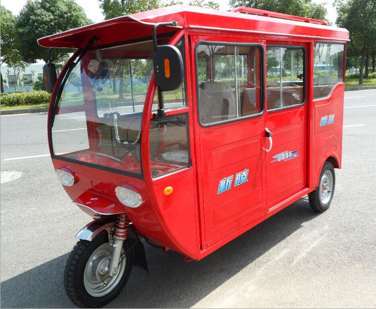 Bajaj Taxi Urbain de carosserie fermée