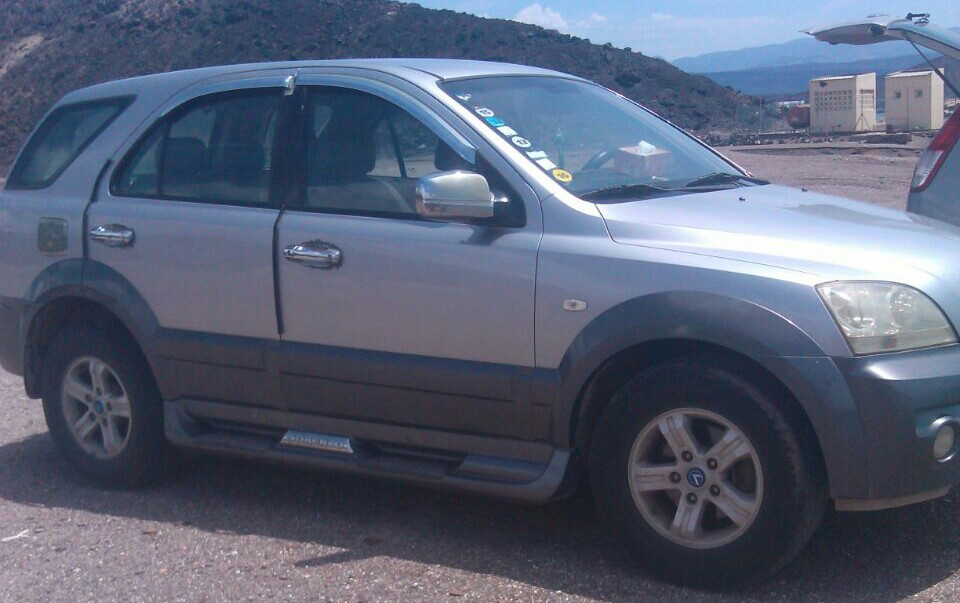 Kia Sorento model 2005 gris D58