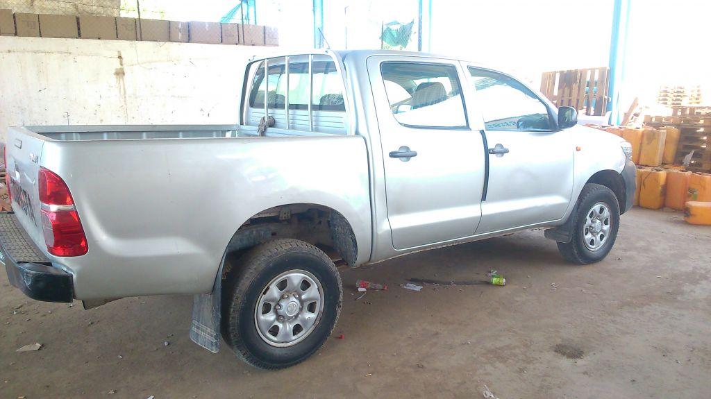 Toyota hilux gris argenté