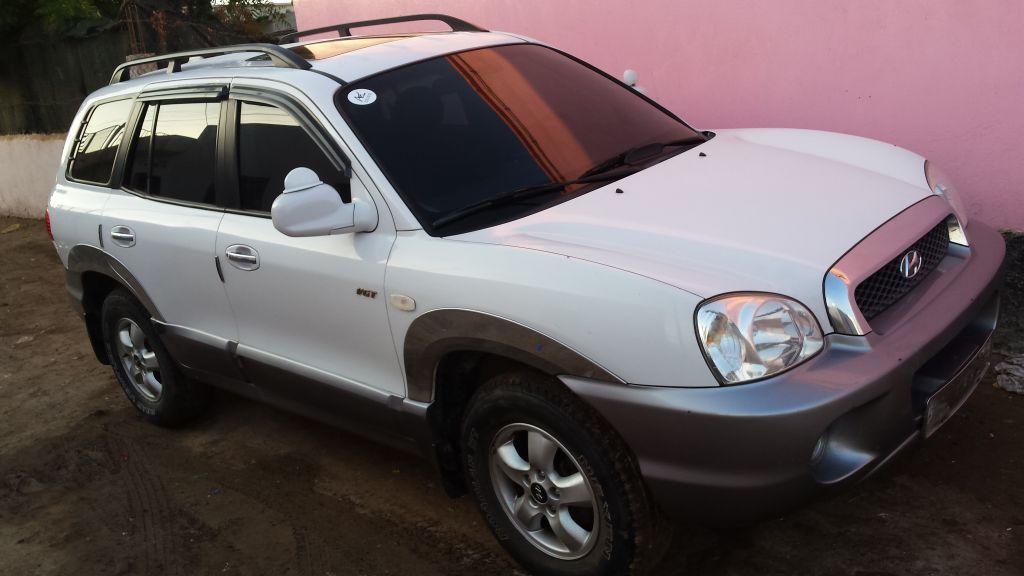 Hyundai Santa fe gold