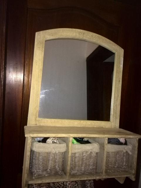 Meuble-miroir en bois