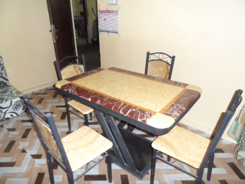 Table à manger Wassel neuve