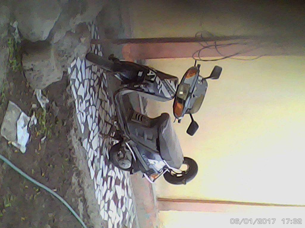 Moto KENETIC 4S
