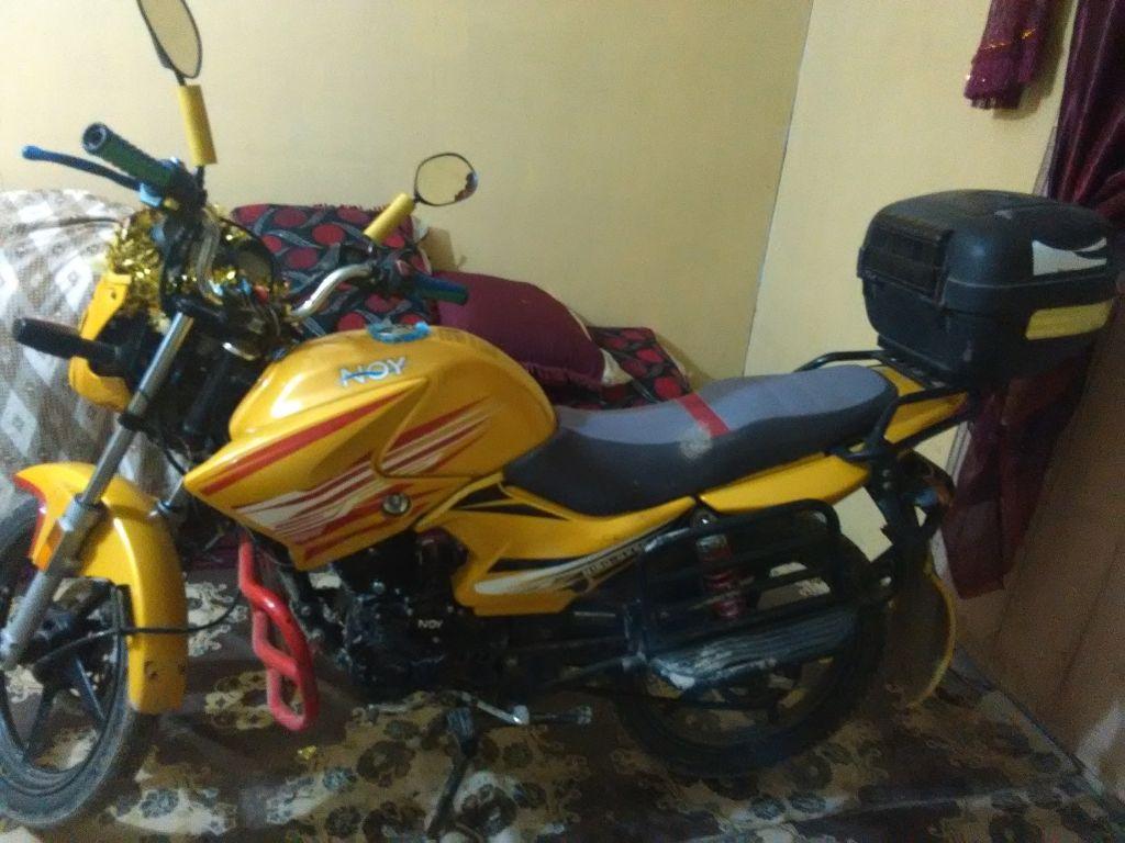 Moto 125 noy