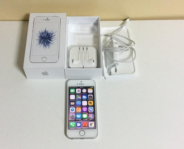 Apple Iphone SE 64 Go blanc, de France, sous garantie, comme neuf