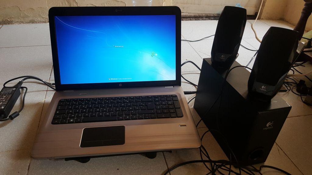 HP Pavilion dv7 Ordinateur portable robuste + Amplie Logitech Gratuit
