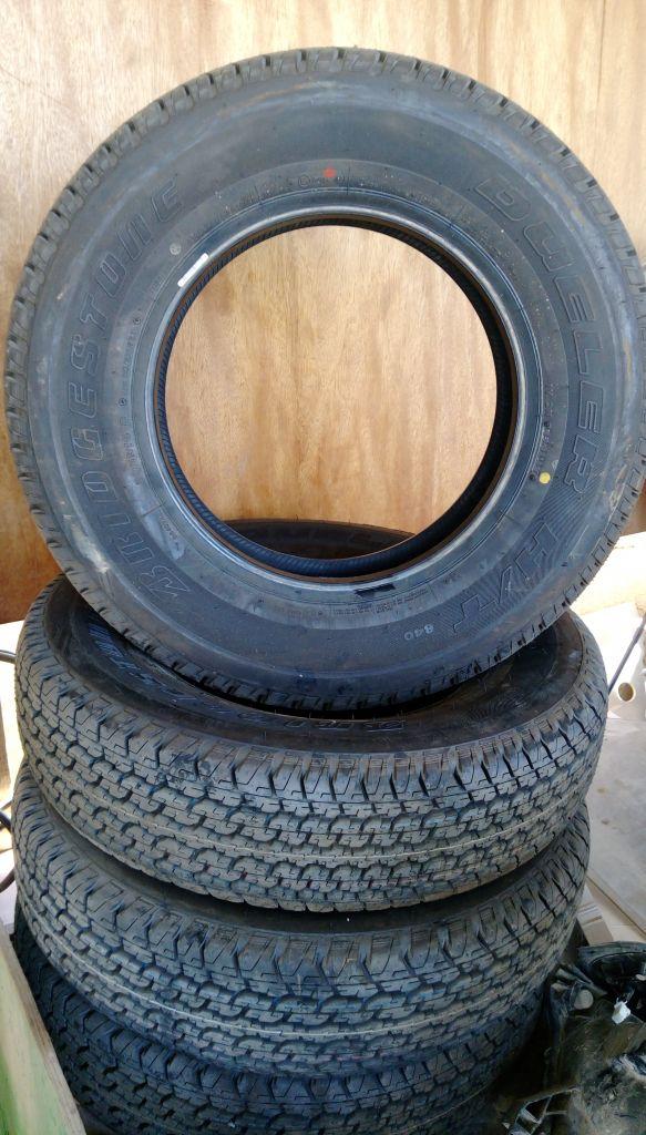 Des nouveaux pneus bridgestone