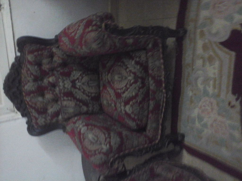 Canapé et 4 fauteuils prix negociable