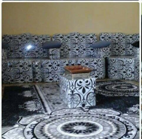 Meubles de salon (faadhi) en noir et blanc