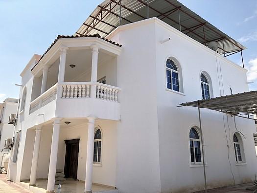 2 Villas Duplex Jumelées de F7 Chacune, Haramous
