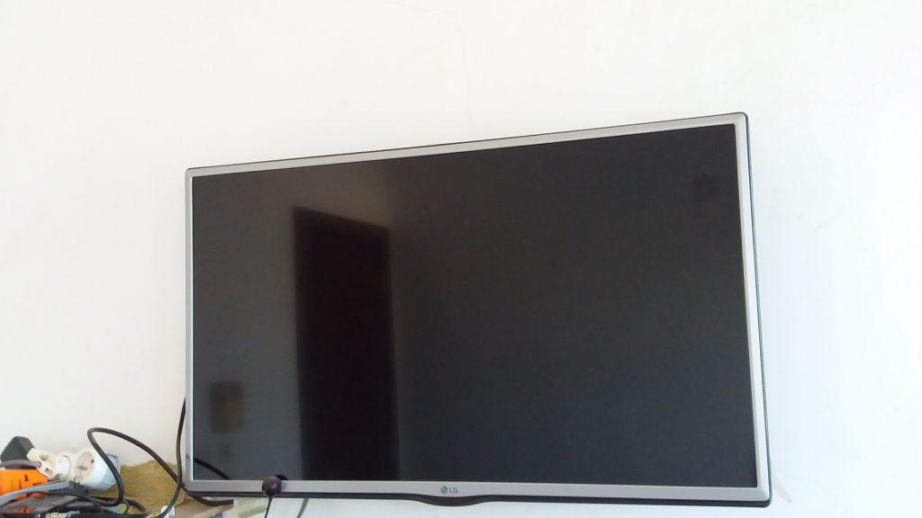 Tv LG ecran plat 32 pouces Neuve