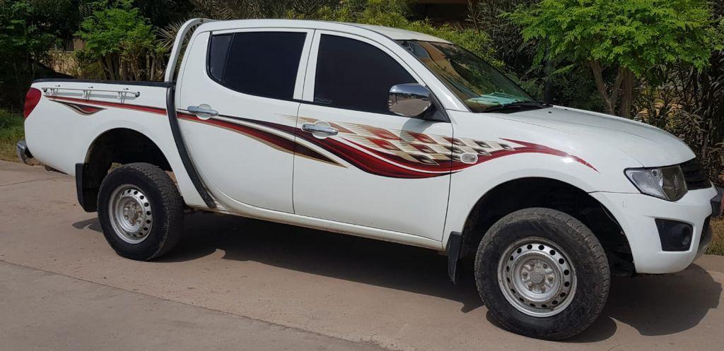 Vehicule pick upL200 Mitsubishi 2012