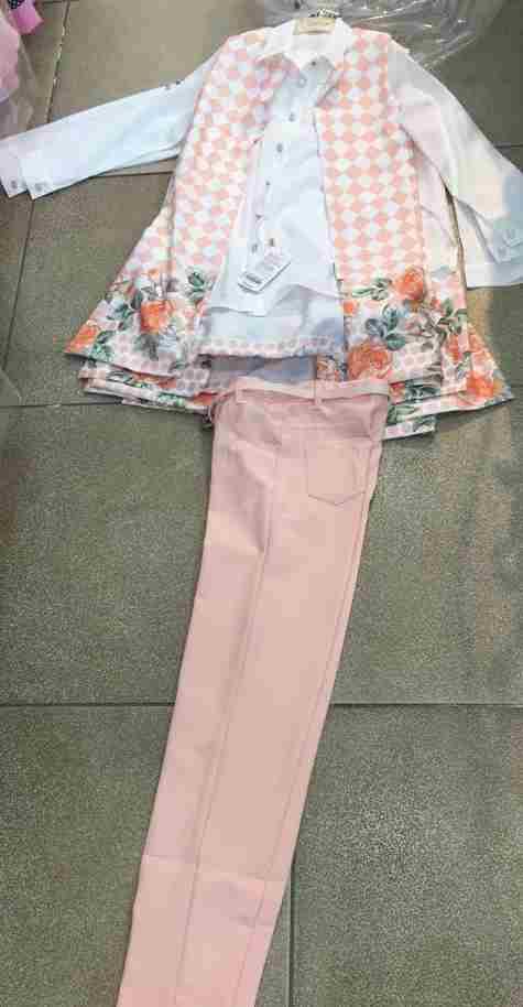 Ensemble 3 pièces veste+ chemisier + pantalon