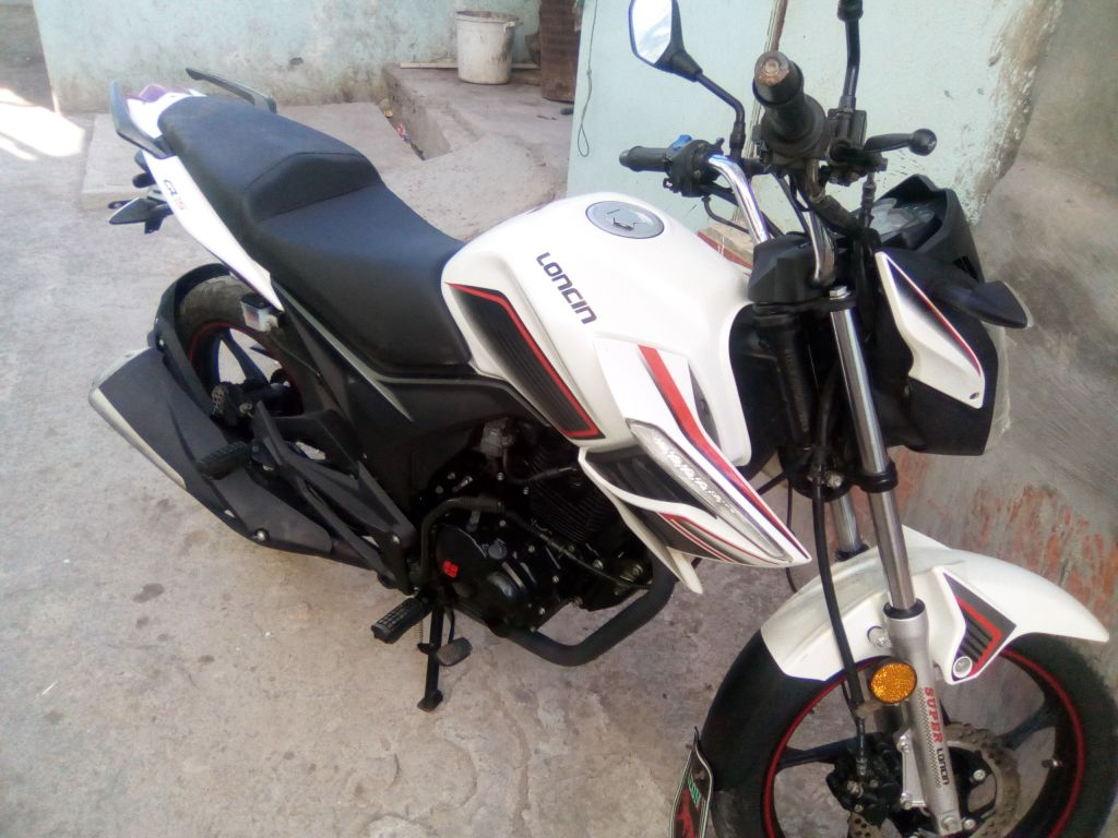 Moto lincoln 125