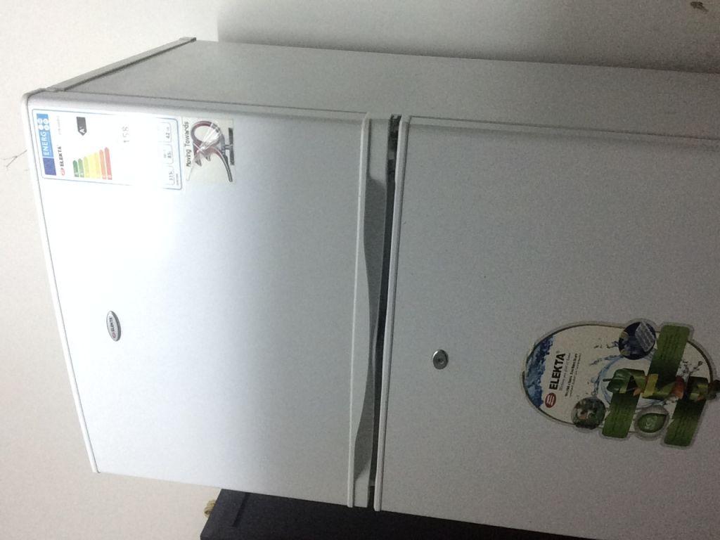 Réfrigérateur ELEKTRA à vendre 60000 FDJ négociable