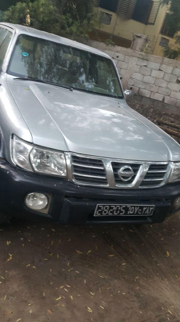 voiture Nissan Patrol a vendre