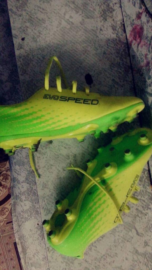 Chaussures crampon puma evospeed