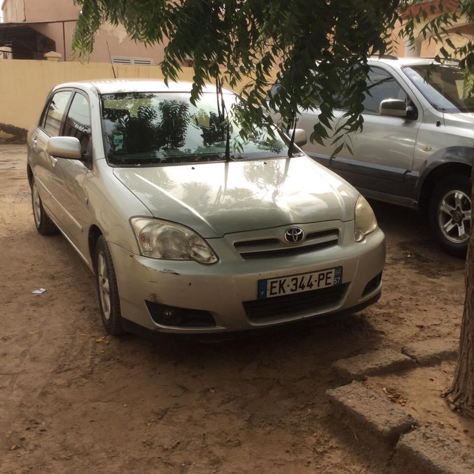 Voiture Toyota Corolla en très bon état