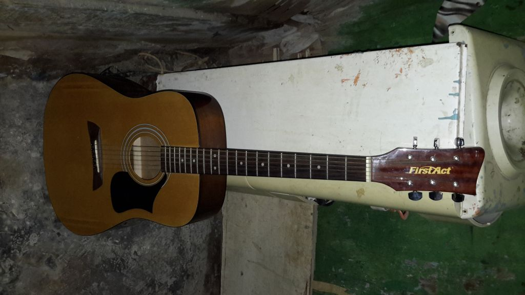 Guitare classique FirstAct MG409