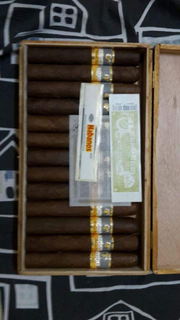 Cigarro cubain maduro