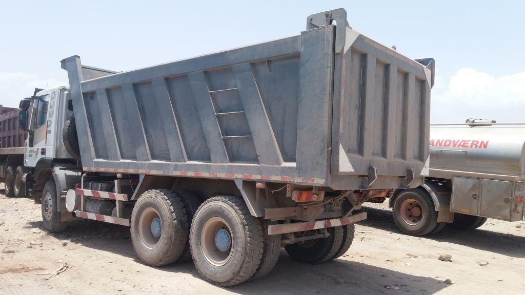 Camion benne iveco genlyon