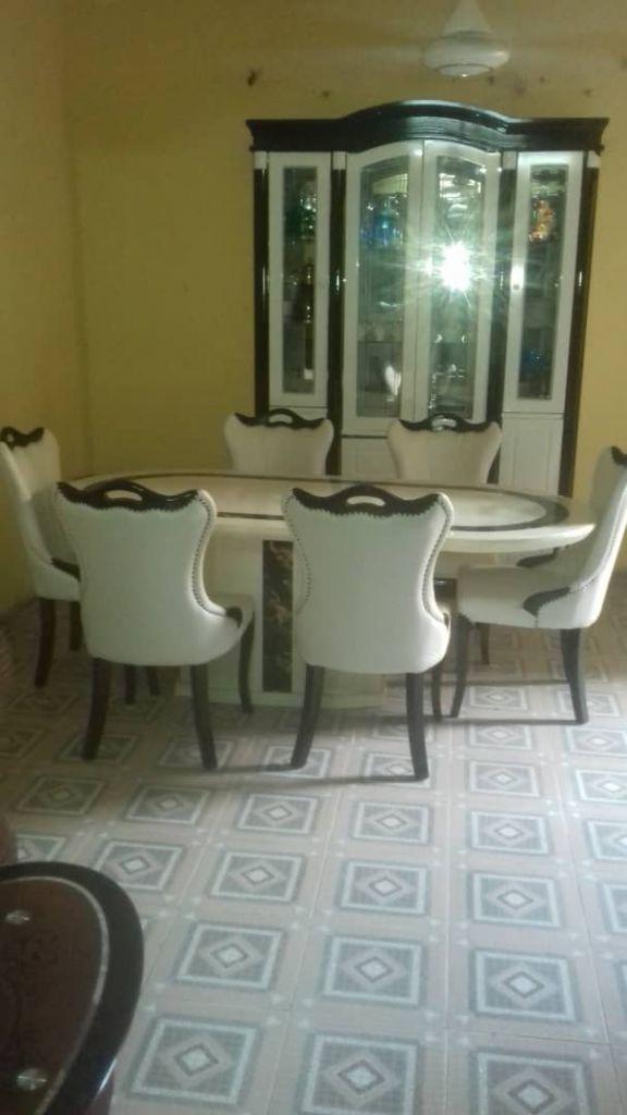 Meubles table à manger, 6 chaises et living