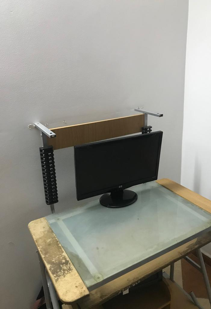 Table PC+ écran+ unité centrale