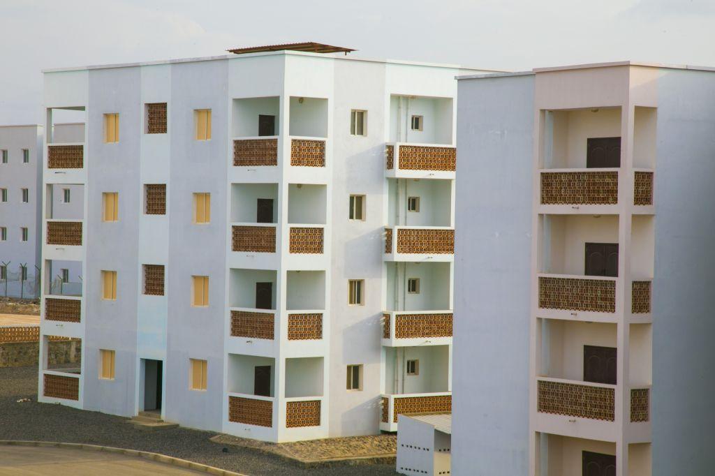 Appartement F4 à PK12 ( VENDU )