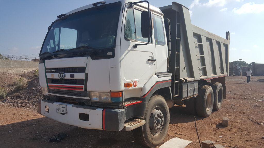 camion Nissan yudi