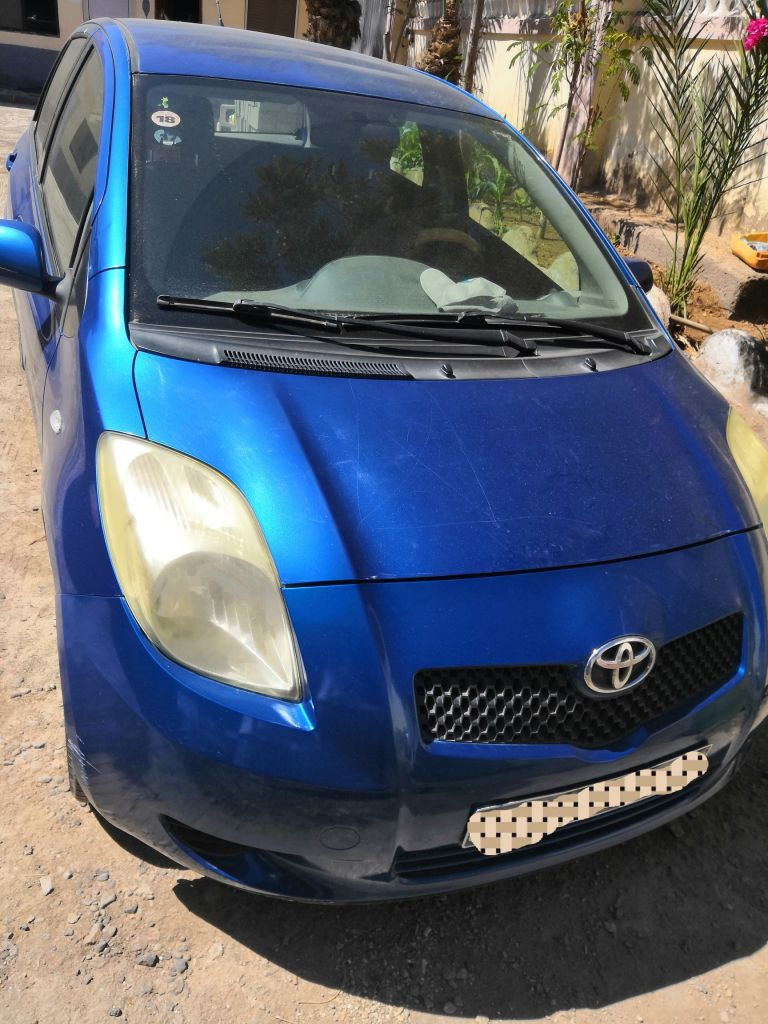 vends ma voiture toyota yaris