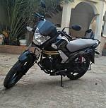Mahindra centuro moto marque indienne bon etat