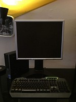 Ordinateur de bureau+clavier+écran