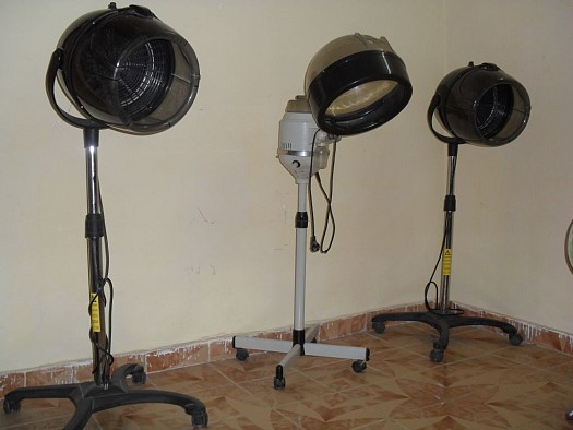 equipement salon de coiffure pour dame djibouti. Black Bedroom Furniture Sets. Home Design Ideas