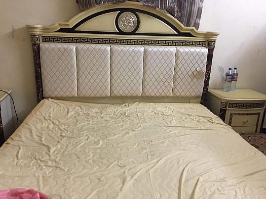 A vendre chambre coucher complete djibouti for Chambre a coucher occasion