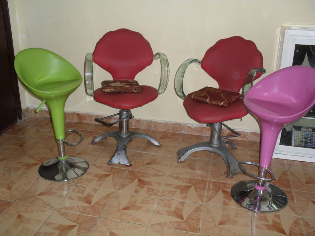 equipement de salon de coiffure djibouti. Black Bedroom Furniture Sets. Home Design Ideas