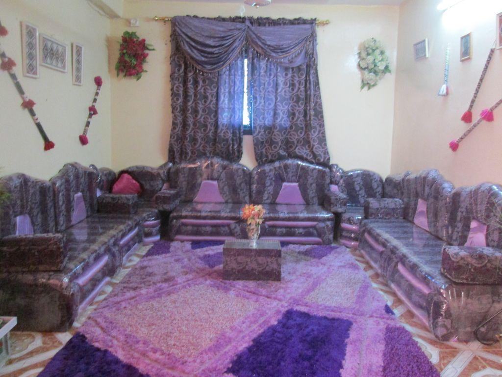Salon saoudien neuf occasion et un living djibouti for Salon occasion