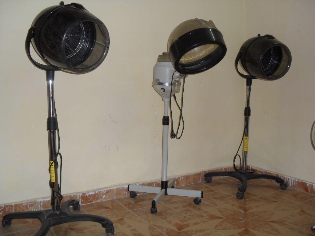 trois casques sechoirs professionnels salon coiffure dame. Black Bedroom Furniture Sets. Home Design Ideas