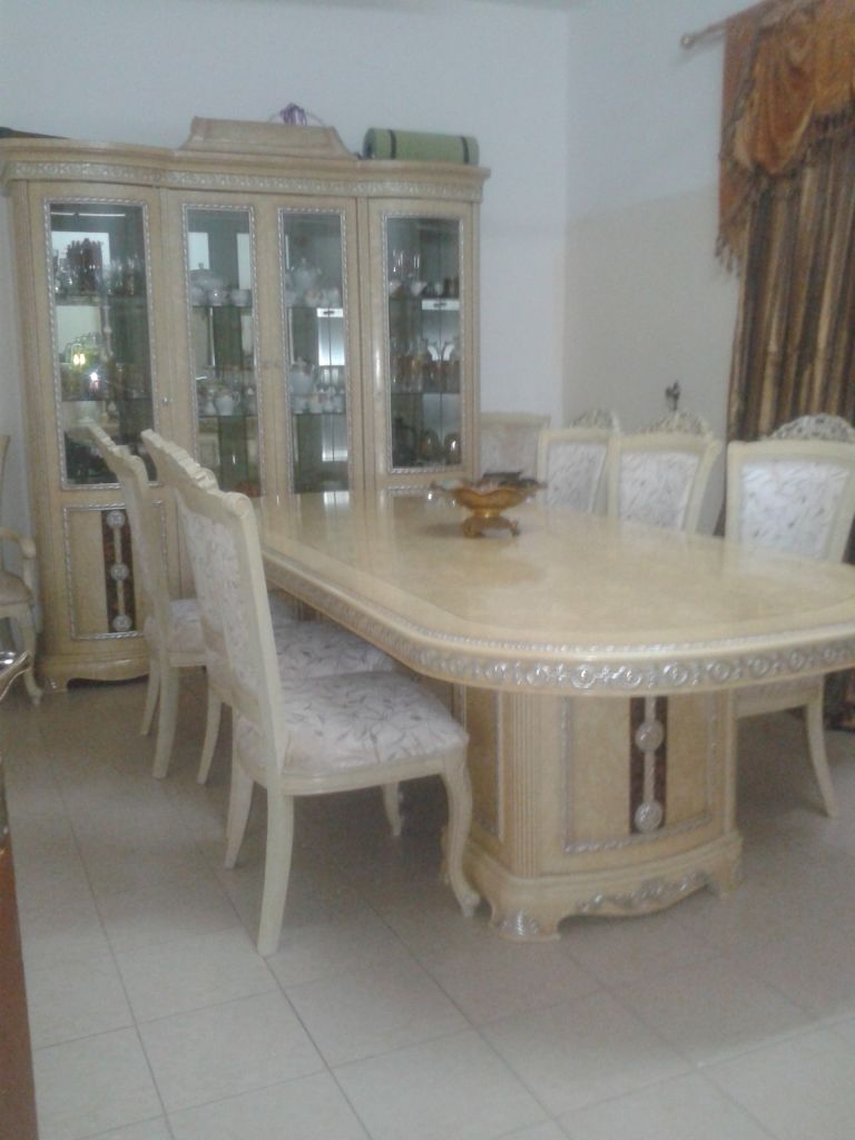 Salle a manger royal djibouti for Salle a manger english