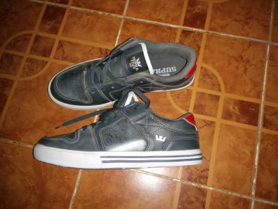 ed8708ca2da Chaussures a vendre Supra à Djibouti