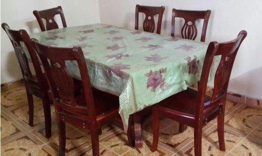 Table manger avec 6 chaises excellent tat avec bon for Table a manger avec chaises