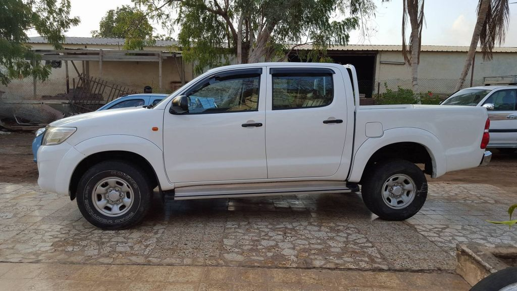 toyota hilux a vendre. Black Bedroom Furniture Sets. Home Design Ideas