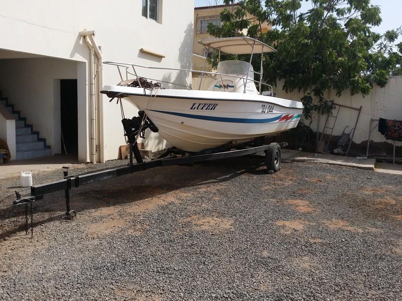 bateau  u00e0 moteur fastfisherman 24 avec 200 cv hors bord  u00e0 djibouti