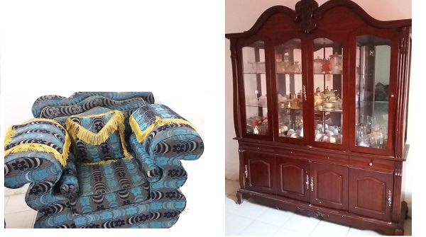 Living salon et ses accessoires rideaux moquette etc for Living accessoires
