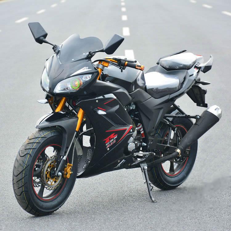 Grande moto de sport 125 de dernière génération