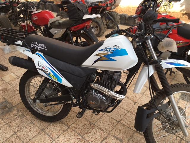 Moto de type DT 200