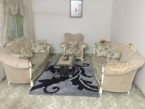 meuble salon djibouti. Black Bedroom Furniture Sets. Home Design Ideas