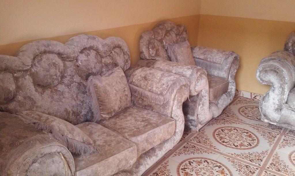 salon a vendre djibouti. Black Bedroom Furniture Sets. Home Design Ideas