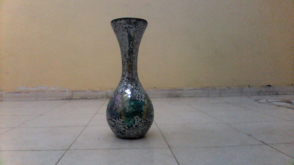 Vase arakstyle